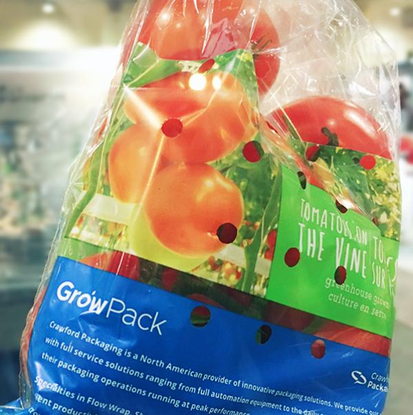 Rollo impreso de película de envoltura de flujo para tomates en la vid con el logotipo de Crawford Packaging